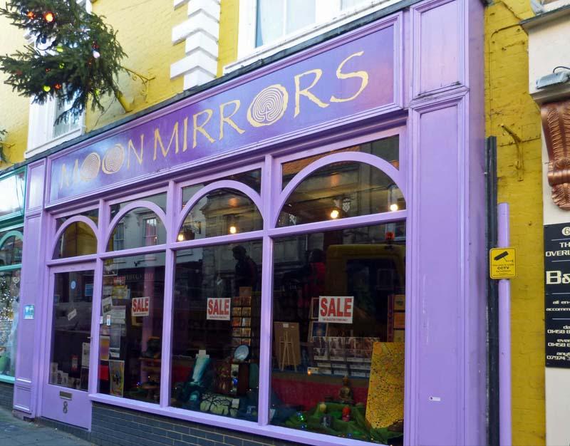 Glastonbury's 'Crystal shops', Part 2 | Musiewild's blog
